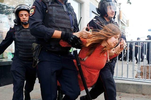Hunderte Festnahmen bei Demonstration in Moskau