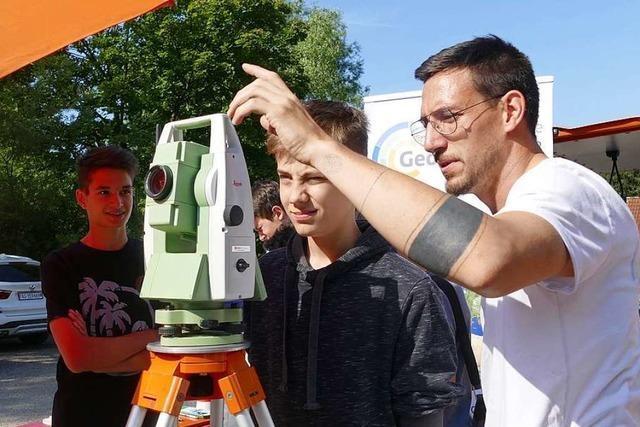 Schopfheimer Schüler bekommen Einblick in die Welt der Geodäsie