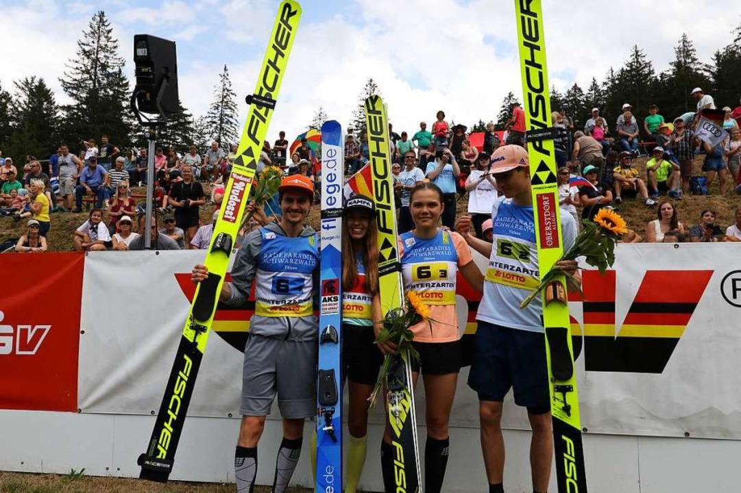 Die famosen Vier im Mixed-Team (von li...h und Karl Geiger. </ZAM-BlindTextAus>  | Foto: Joachim Hahne