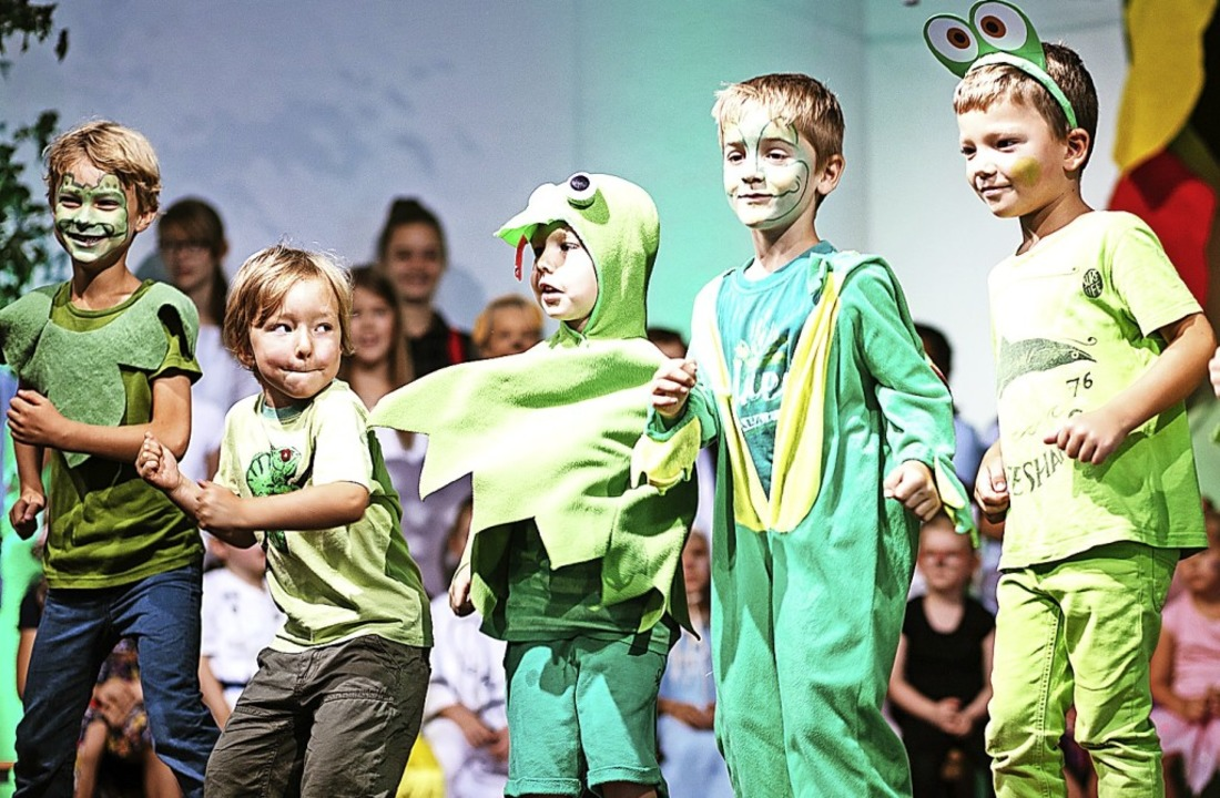 Grün ging es in dem Musical vom Trauza...at das Ganze den Kindern auch gemacht.  | Foto: Peter Hecking