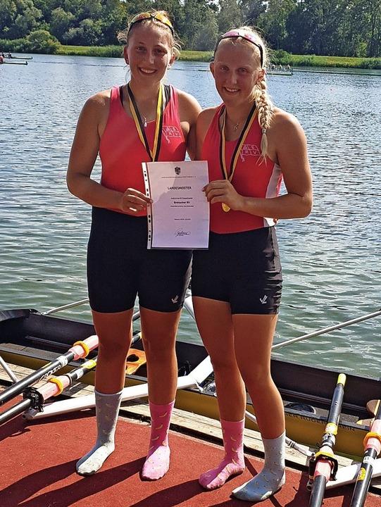 Chiara Saccomando (links) und Lina Bre...r 2019 im Juniorinnen-B-Doppelzweier.   | Foto: privat