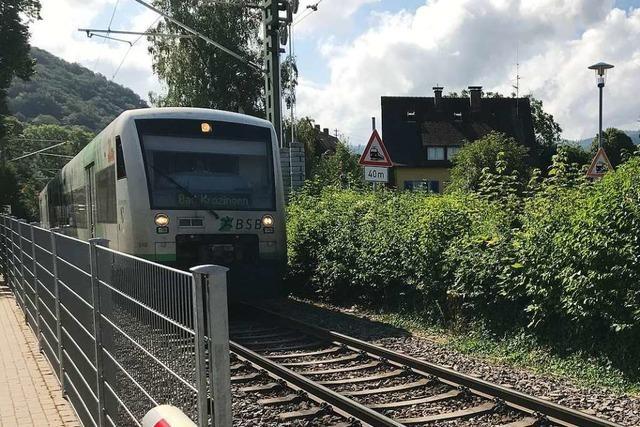 66-Jährige stirbt bei Unfall an Bahnübergang in Staufen