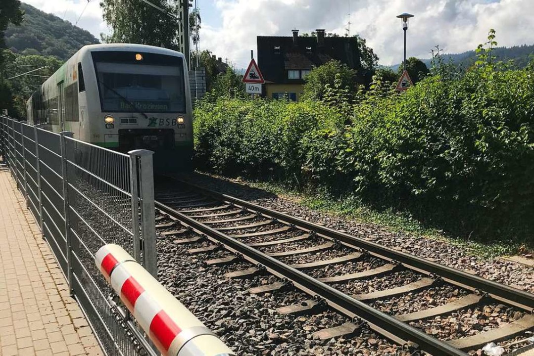 Der Bahnübergang am Krichelnweg. Hier ...lückte die 66-Jährige am Montagmorgen.  | Foto: Hans-Peter Müller