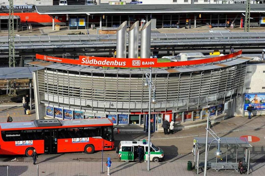 Eine junge Frau wurde am Freiburger Busbahnhof angegriffen (Symbolfoto).  | Foto: Ingo Schneider