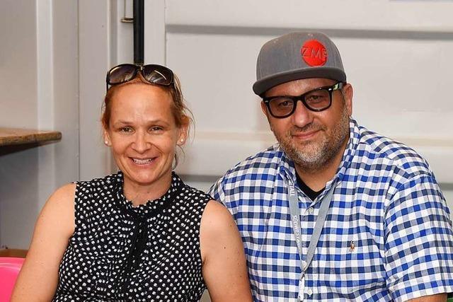 Dieses Paar erfüllt die Wünsche der Künstler auf dem ZMF