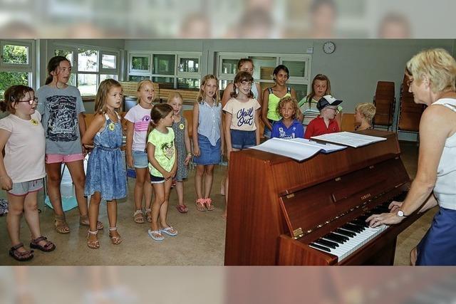 Kinder singen für Toleranz