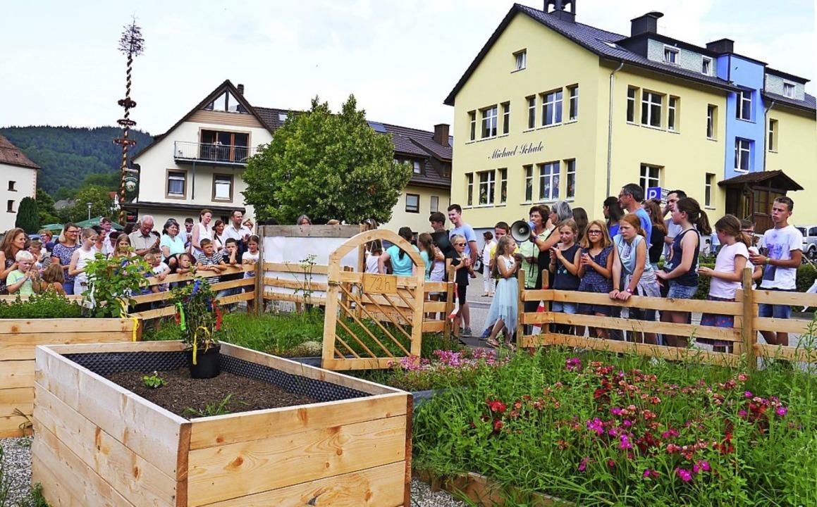 Kurz vor den Ferien wurde in Oberried der neue Schulgarten eingeweiht.  | Foto: Barbara Riess