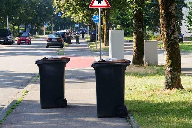 Fahrradfahrer müssen in Rheinfelden Mülltonnenslalom fahren