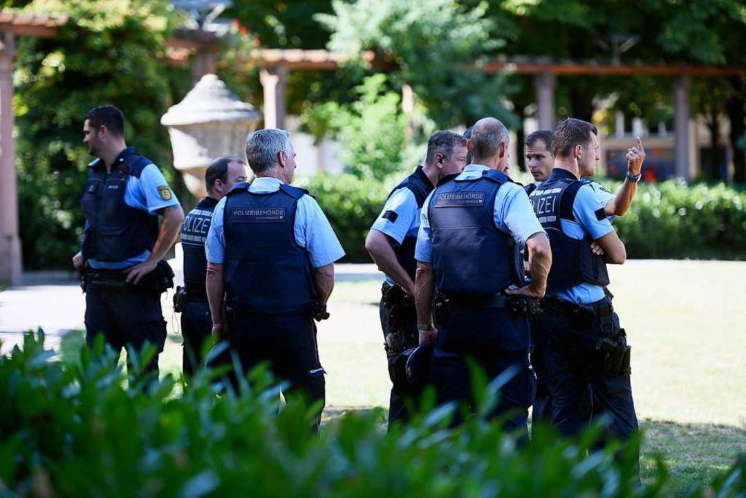 Die Polizei war mit einem größeren Aufgebot im Einsatz.  | Foto: Thomas Kunz