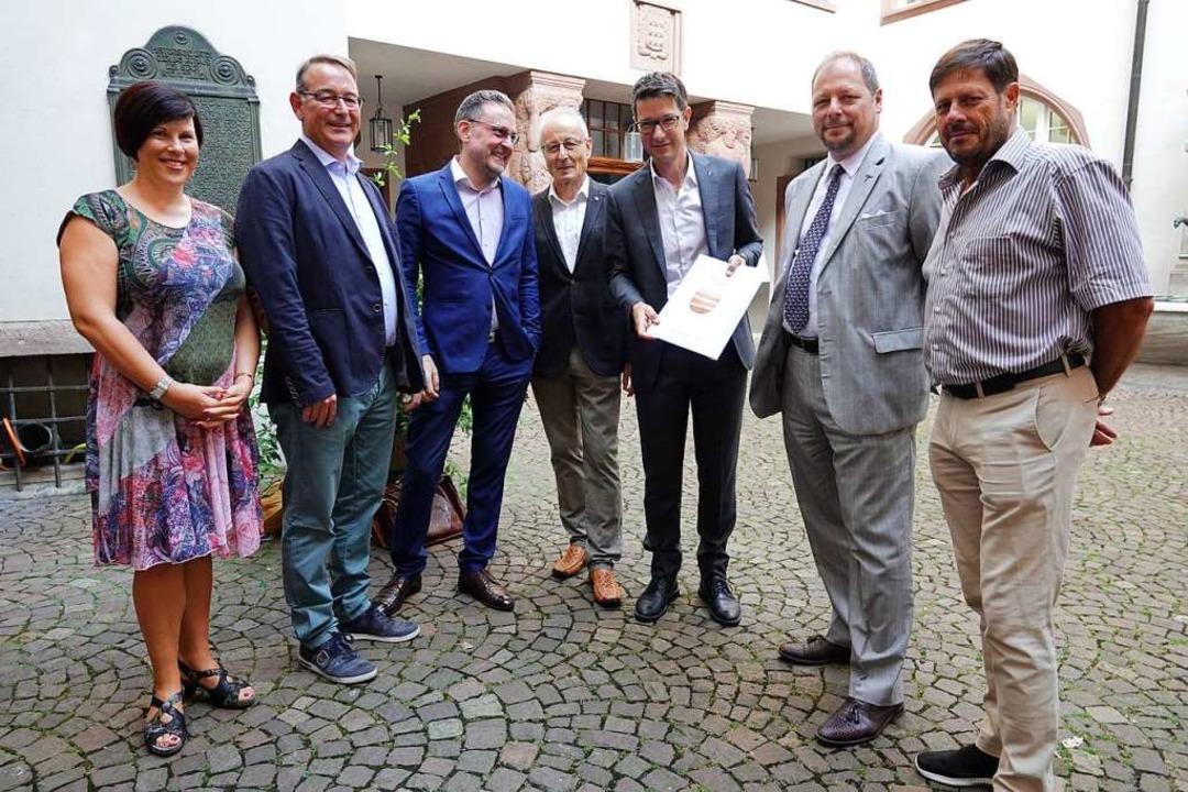 Die Unterschriften für das Referendum ...adopoulos (SVP) und Fritz Gloor (SVP).  | Foto: Valetin Zumsteg