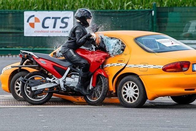 Schutzkleidung rettet Motorradfahrer nur bedingt