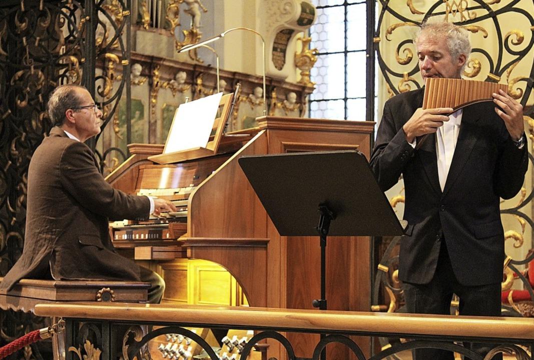 Johannes Götz (Orgel) und Philippe Emm...ten für ein ungewohntes Klangerlebnis.  | Foto: Erich Krieger