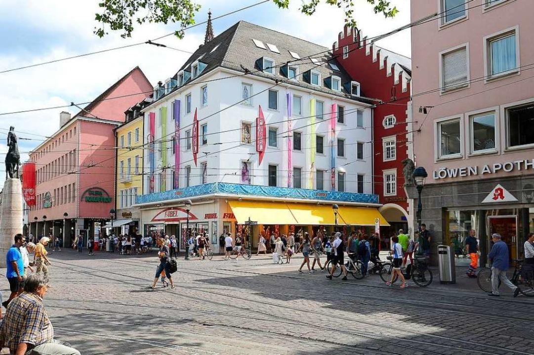 Das Kapferer-Haus, in dem das Traditio...abel fünf Verkaufsetagen gemietet hat.    Foto: Ingo Schneider