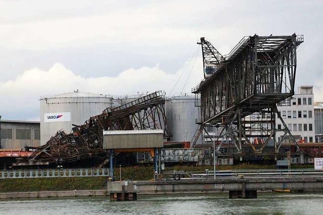 Ein Wahrzeichen der Industrie wurde in Birsfelden Opfer des Sturms