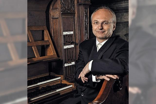 Wiener Orgelmusiker Johannes Ebenbauer spielt in der Barockkirche in St. Peter