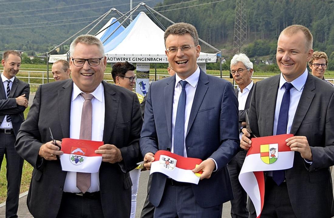 Freude bei den Bürgermeistern Bernd Br...nie, rechts das frühere Hukla-Gelände)    Foto: hrö