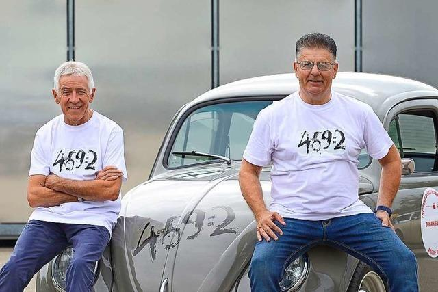 Einstige Konkurrenten sitzen bei der Schauinsland Klassik gemeinsam im Käfer
