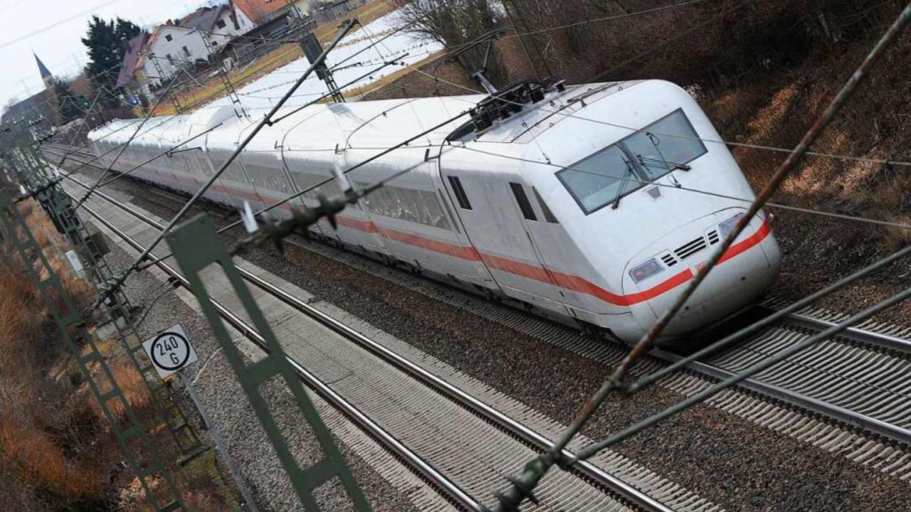 Die Züge auf der Rheintalbahn – ...20 Jahren durch den Batzenberg fahren.  | Foto: Patrick Seeger