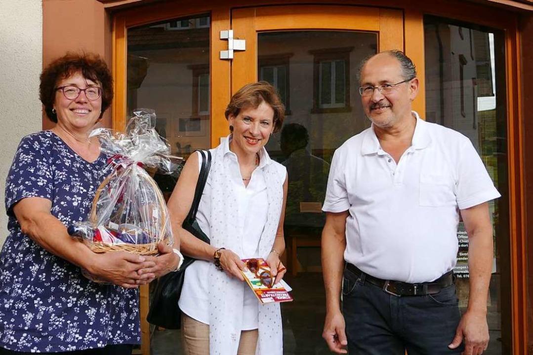 Marion Dammann (Mitte) mit Sabine und Larry Arango    Foto: Martina David-Wenk