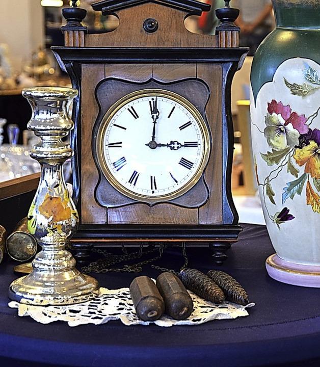 Auch Uhren werden angeboten.  | Foto: Nora Bulla