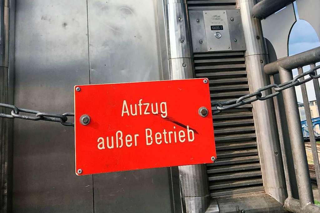 Relativ Aufzug zu Gleisen am Freiburger Hauptbahnhof defekt - Freiburg CQ66