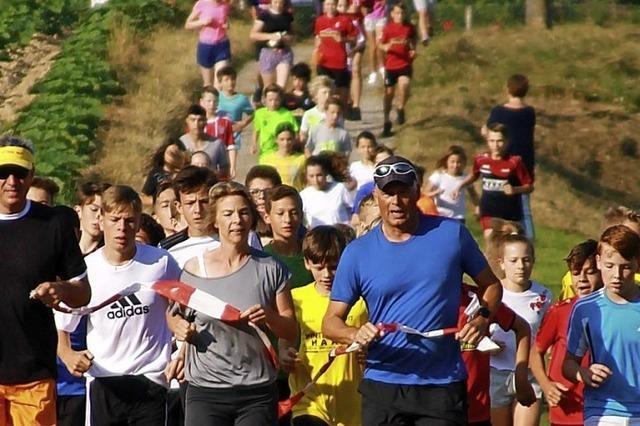 AUS SCHULEN UND KITAS: 2000 Beine laufen für soziale Projekte