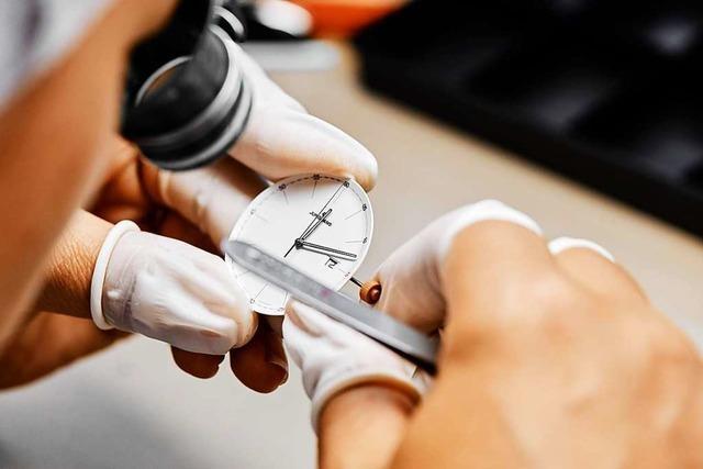 Uhrenhersteller Junghans trotzt der Zeit