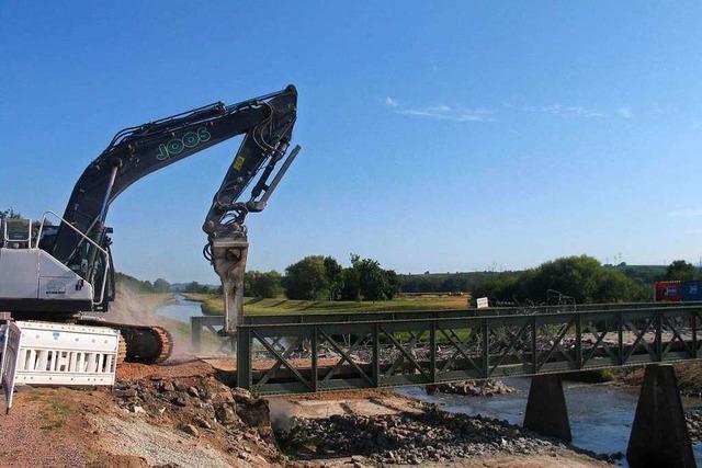 Eisenbrücke über die Dreisam zwischen Neuershausen und Eichstetten ist abgerissen worden