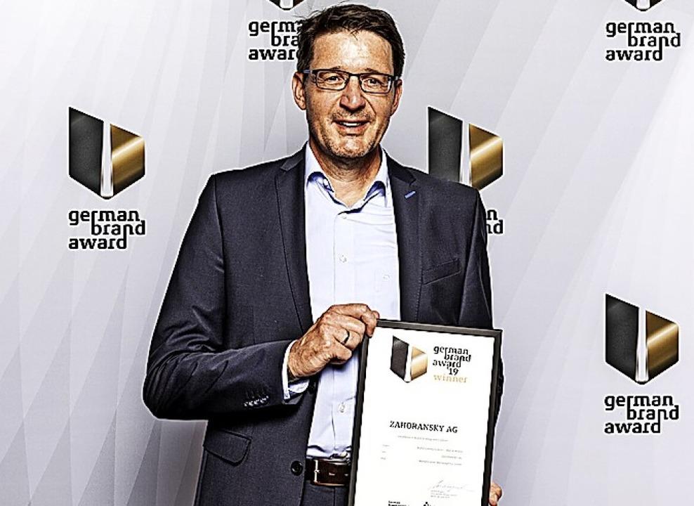 Robert Dous, Leiter Marketing und Vertrieb, bei der Preisverleihung  in Berlin  | Foto: Lutz Sternstein