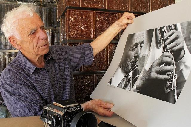 Seine Fotos erzählen Dorfgeschichte