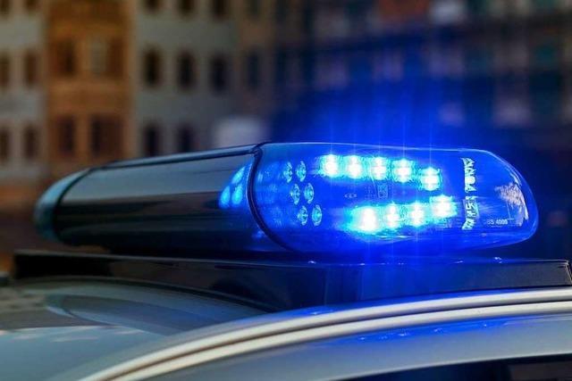 Polizei sucht nach Unfall auf B 294 bei Waldkirch einen schwarzen BMW