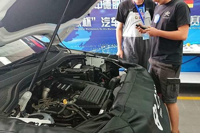 Angehende Kfz-Mechatroniker schneiden bei Leistungswettbewerb in China gut ab