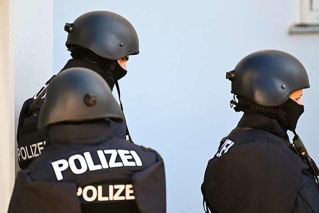 Polizei sucht mit Großaufgebot nach Verdächtigem, findet ihn aber nicht