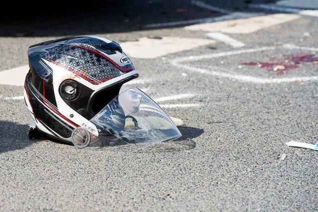 Motorradfahrer kommt beim Gamshurst ums Leben