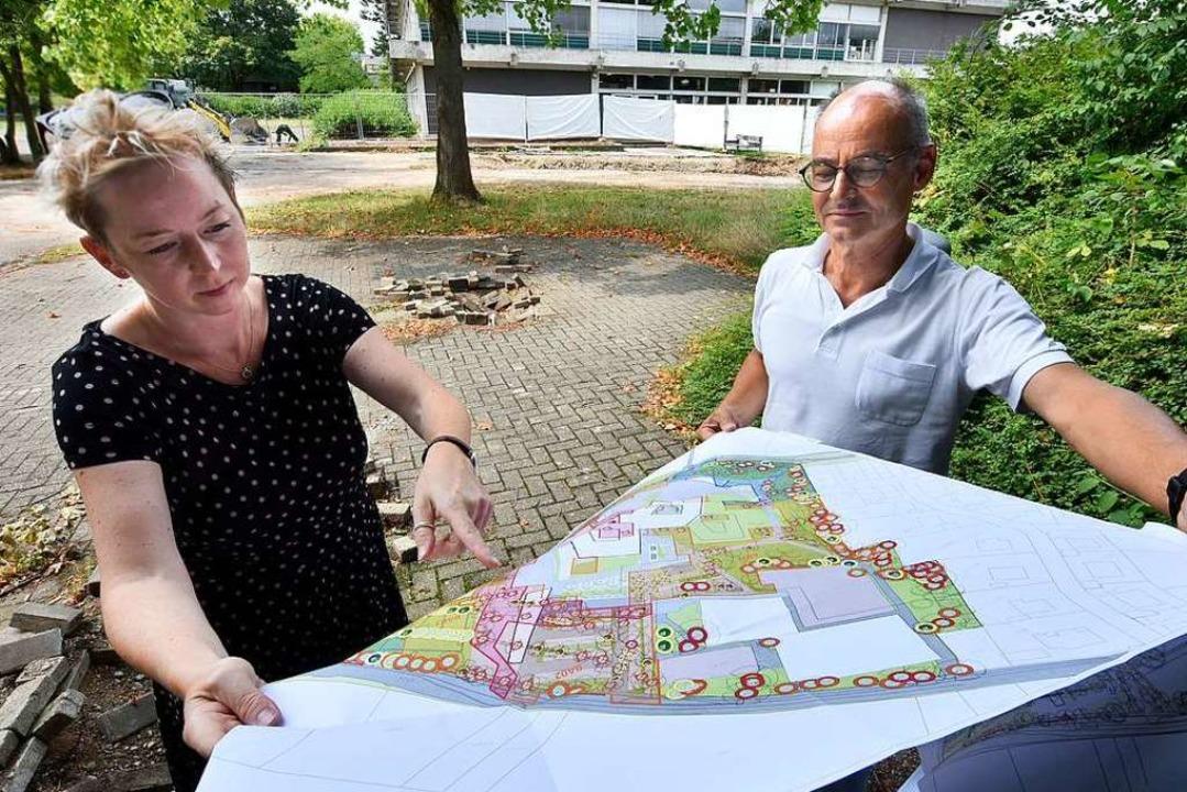 Andrea Katzer-Hug und Albrecht Müller ...m die Staudinger Gesamtschule geplant.  | Foto: Michael Bamberger