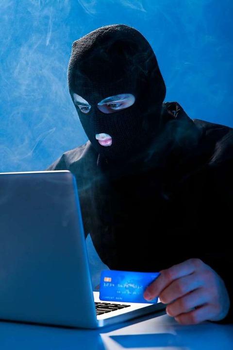 Kriminelle fischen im Netz nach persönlichen Daten – und nach Geld.  | Foto: Andrey Popov - stock.adobe.com