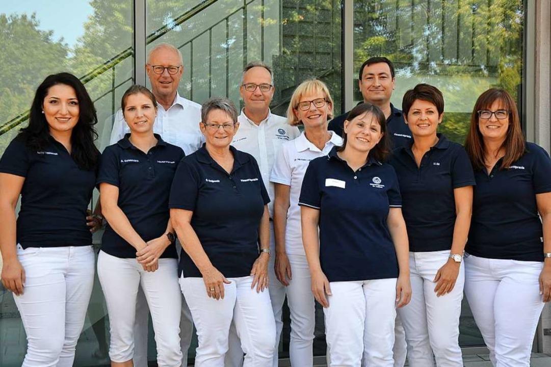 Das Team der heutigen Gemeinschaftspra...orderen Reihe die    Mitarbeiterinnen   | Foto: Ulrike Ott