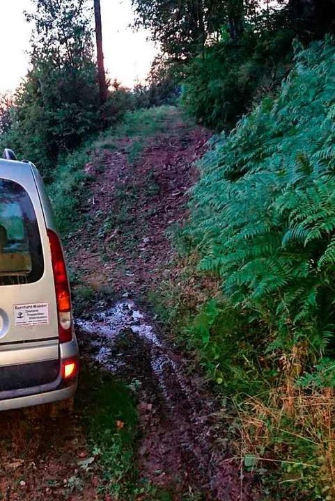 Ein halber Meter Platz zwischen Auto und Berg zum entkommen.  | Foto: Privat