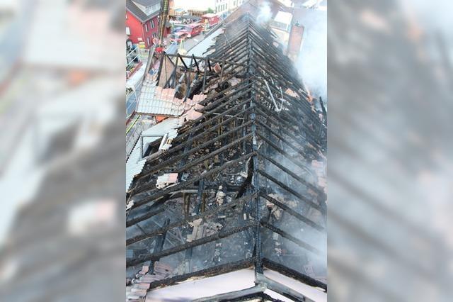 Brand in leerstehendem Gebäude in Zell im Wiesental