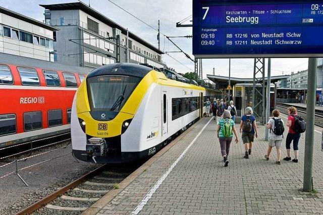Zwei mal am Tag fahren die neuen Züge auf der Höllentalbahn