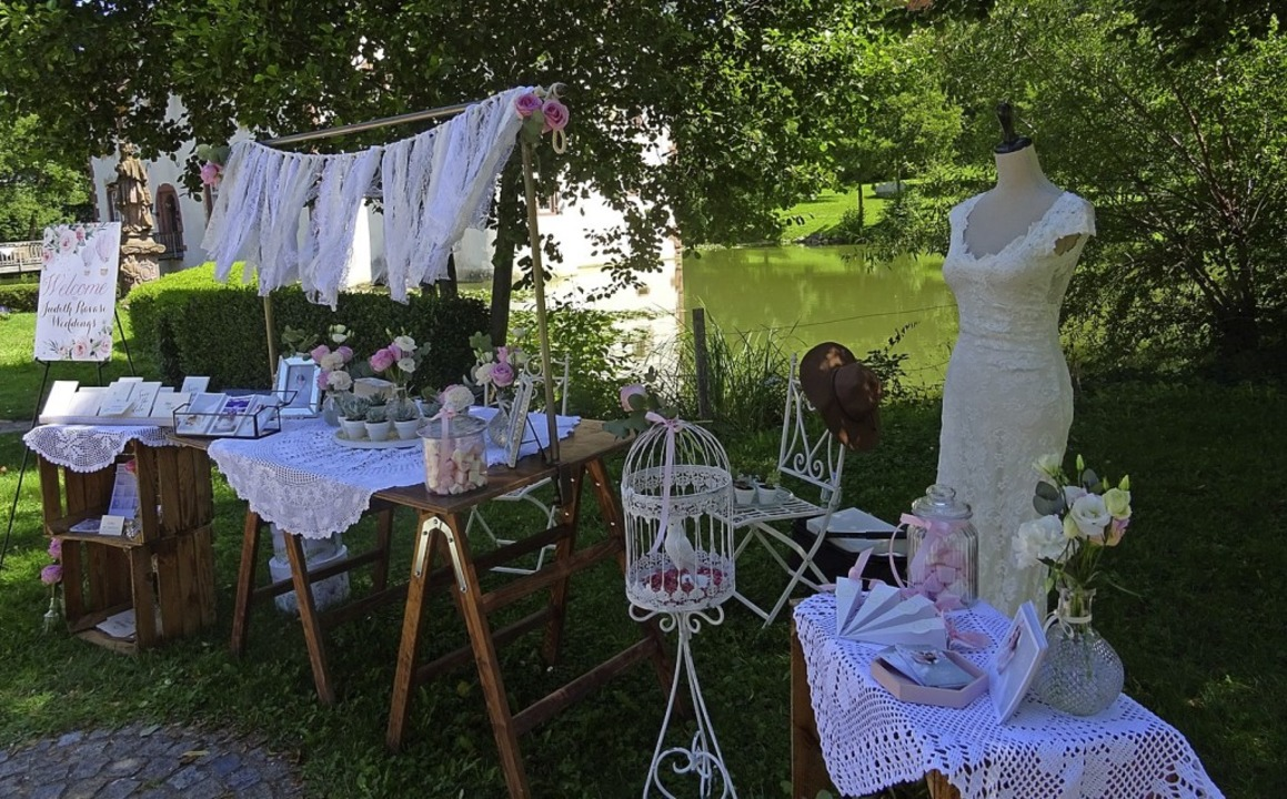 Accessoires für die Hochzeit wurden be...er Wasserschloss aus- und vorgestellt.  | Foto: Johanna Hoegg