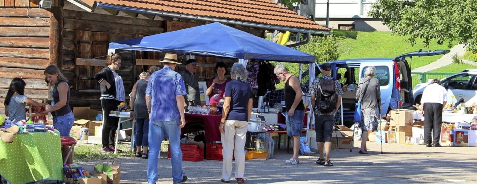 Dorfhock mit Flohmarkt Marzell  | Foto: Rolf-Dieter Kanmacher