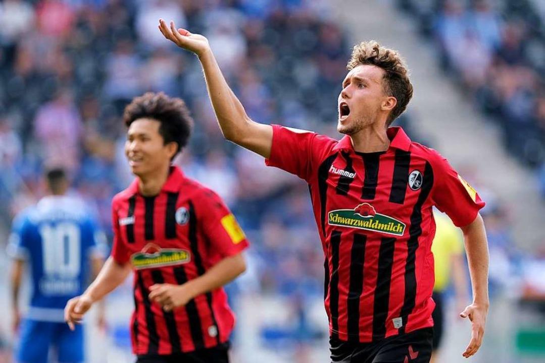 Luca Waldschmidts Treffer in der 93. M... Freiburger 1:0-Erfolg sichergestellt.  | Foto: Peter Steffen (dpa)