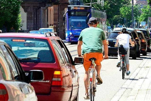 Autofahrer nutzen die Basler Straße in Freiburg immer noch als Schleichweg – trotz Durchfahrverbot