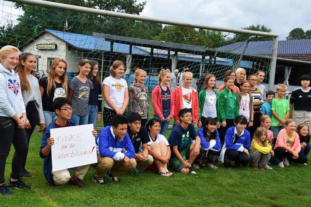 Die japanischen Jugendlichen bedanken ... Vörstetten für Ihre Gastfreundschaft.    Foto: Andrea Steinhart