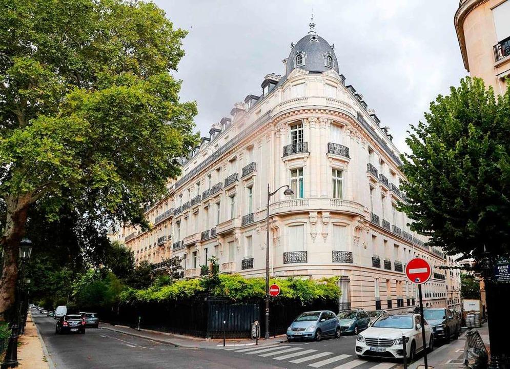 Ein Gebäude im 16. Arrondissement in Paris – es gehört Jeffrey Epstein.  | Foto: JACQUES DEMARTHON (AFP)