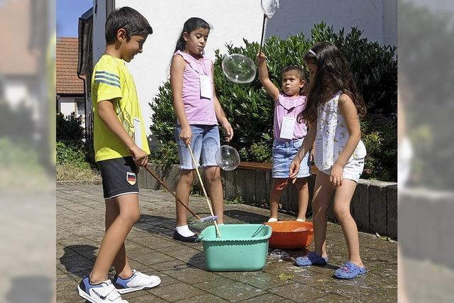 Kunterbuntes Programm für Kinder und Erwachsene
