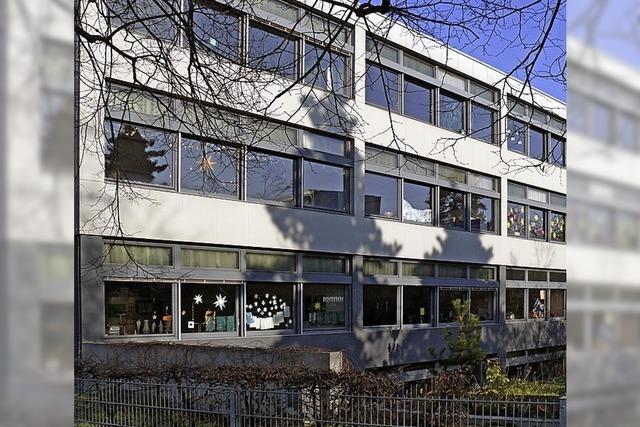 Schützenswertes Schulhaus wird erweitert