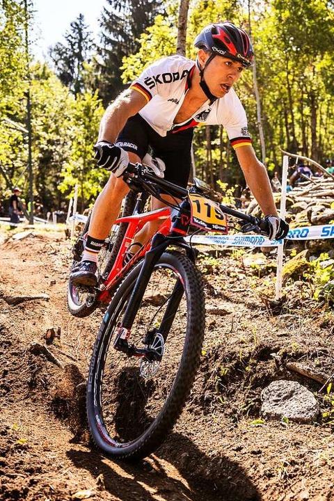 Beim Weltcup in Val di Sole erwischte ...ide durfte er nun aber zu Ende fahren.  | Foto: Sebastian Sternemann