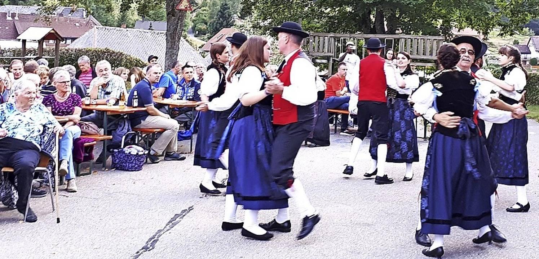 Die Trachtengruppe Häg-Ehrsberg erntet...hrem Auftritt am Heimatabend in Präg.     Foto: Karl-Heinz Rümmele
